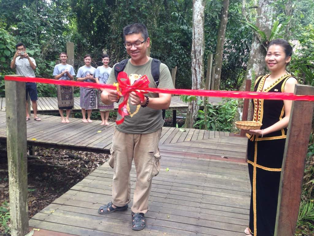 FRULLODA - Dr Wong ribbon cutting ceremony